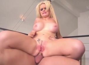 Alexis Ford gets her large..