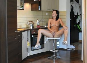 Mansion wifey kitchen getting off
