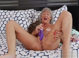 Horny Stepmom Leilani Lei Gives..